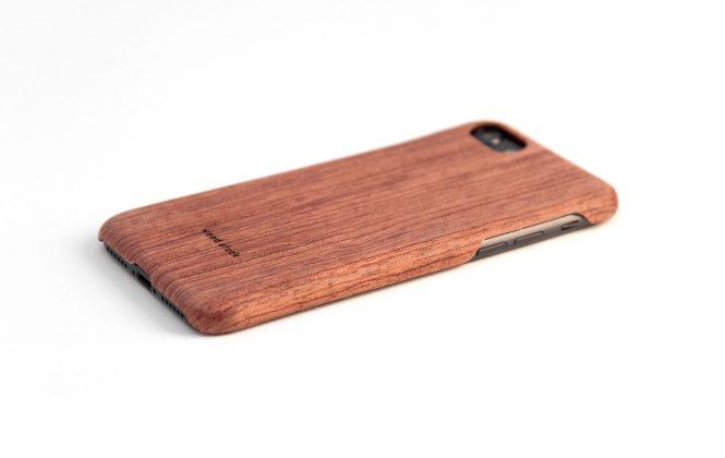 coque de luxe en bois